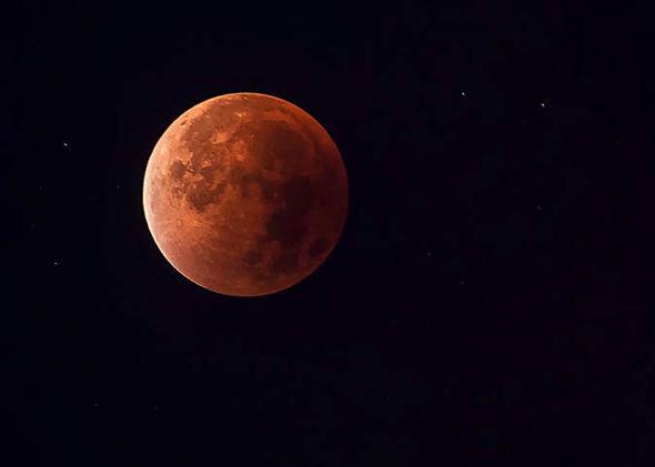 Eclissi, Luna rossa