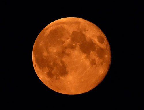 Come fotografare l'eclissi lunare totale venerdì 27 luglio 2018