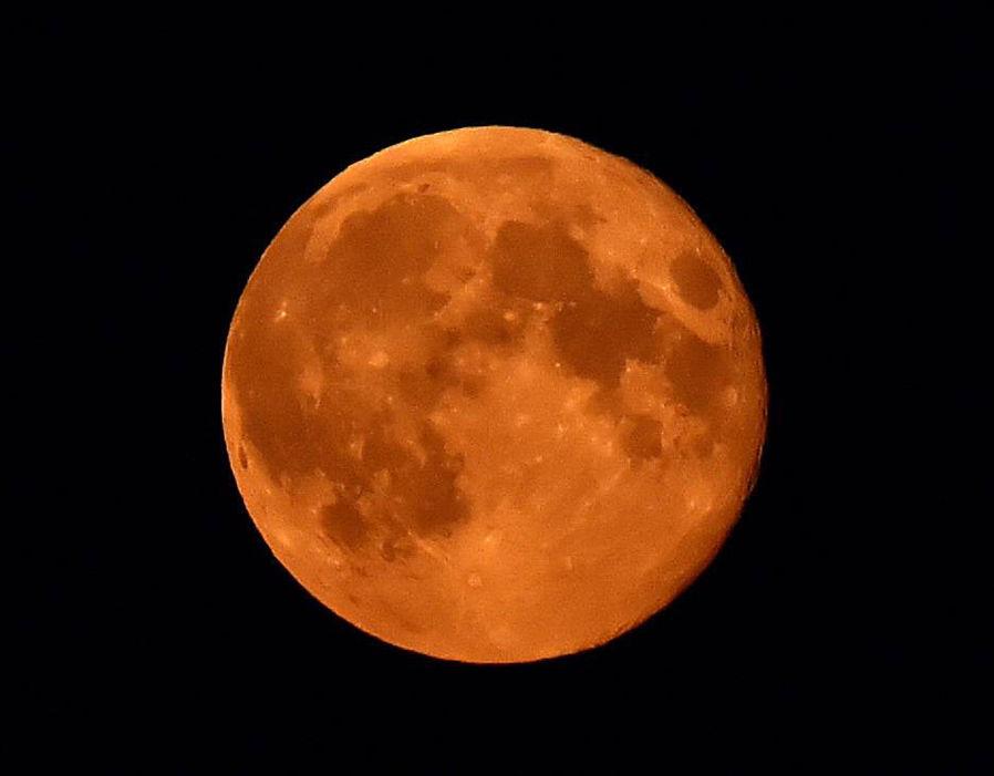 Luna rossa completa
